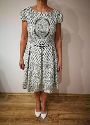 Красивое платье фирмы Burvin