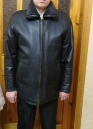 Добротная мужская кожаная куртка на цегейке
