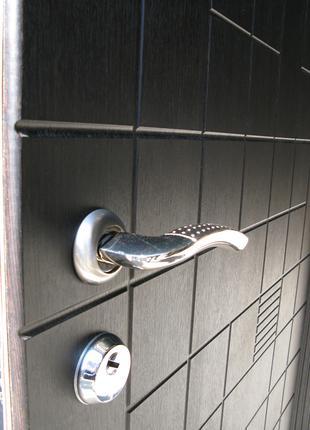 Двери входные. Бесплатная доставка по городу