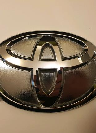 Эмблема логитип Toyota б/у 7544760020, 7544760010