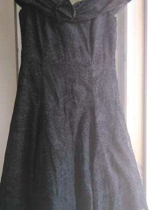 Чёрное платье коктельное