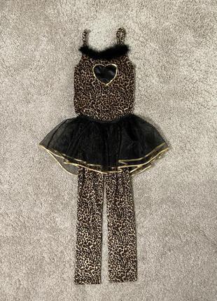 Леопардовый карнавальный комбинезон с юбкой.