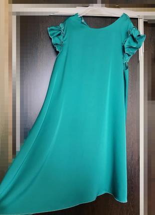 Платье изумрудного красивого цвета