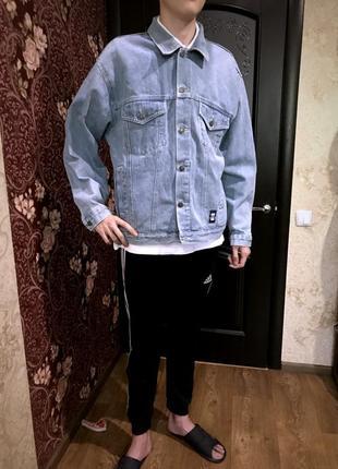 Брендовая редкая  модель джинсовая куртка джинсовка ..сша