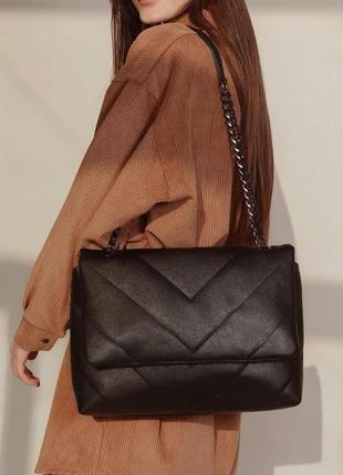 Большая вместительная черная стёганая прошитая сумка клатч на...