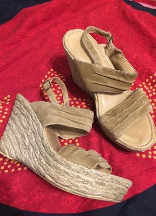 Dorothy perkins сандали босоножки замшевые на танкетке платформе