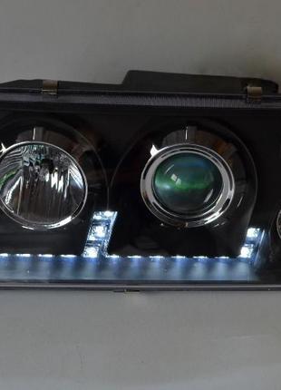 Передние фары с ходовыми огнями на ВАЗ 2109 Светомания черноые.
