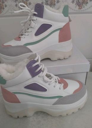 Ботинки кроссовки зимние на меху Jennyfer