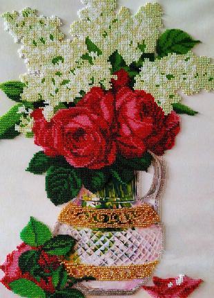 Картина вышитая бисером розы и сирень букет роз