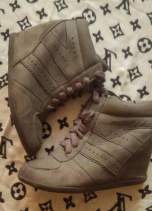 Теплые сникерсы new look (ботинки)