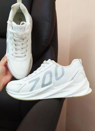 Стильные белые мужские кроссовки, размер 43, новые