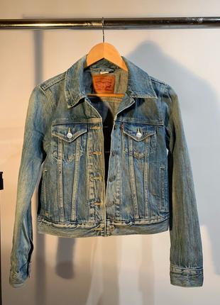 Укорочённая джинсовая куртка levi's
