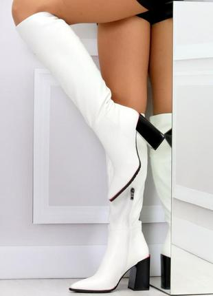 Модельные белые женские сапоги на флисе удобный высокий каблук...