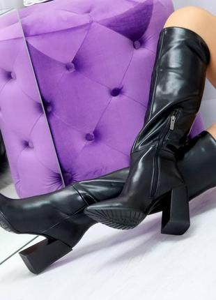 Модельные черные женские сапоги на флисе удобный высокий каблу...