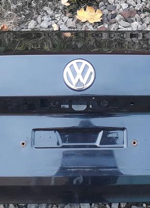 Бампер задний, крышка багажника,полка,стекло задный,кузов.Vw Pass