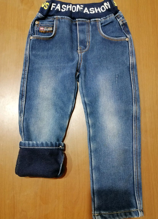 Тёплые джинсы на мальчика 3-4года