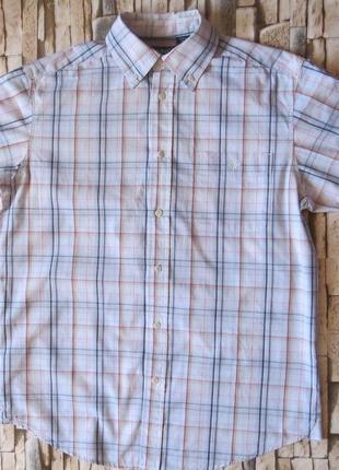 Рубашка с коротким рукавом .