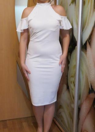 Нарядное белое платье очень красивое  14 размер
