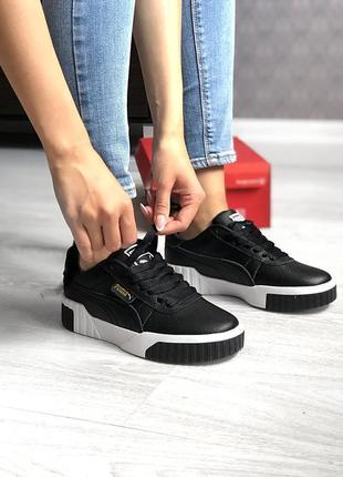 Топовые женские кроссовки