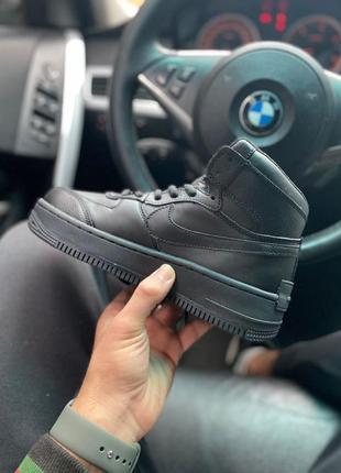 Кроссовки черные с мехом nike air force