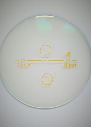 Линза прогрессивная, полимерная с антибликовым покрытием.