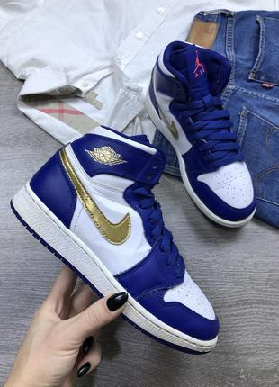 Легендарные кроссовки jordan retro 1