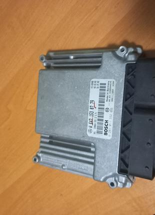 Блок управления мотором для автомобиля Mercedes-Benz W211 E-Class