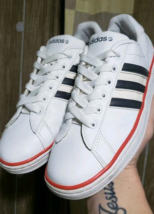 Кроссовки Adidas (original) 38 размер