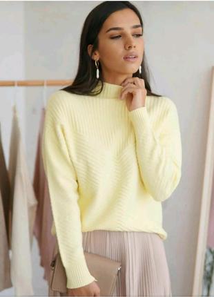 Кашемировый свитер ёлочкой жёлтого цвета