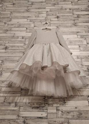 Платье праздничное,нарчдное для девочки