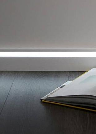 Плинтус с подсветкой LED, светодиодный плинтус