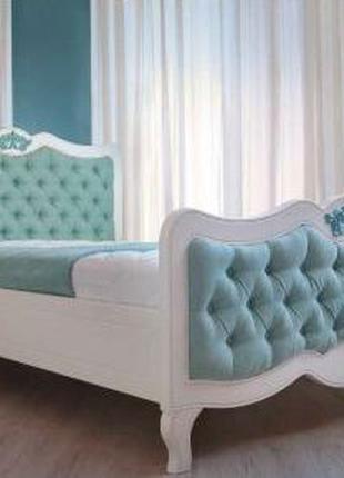 Кровать Элен из дерева с каретной стяжкой