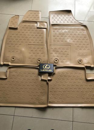 Новые оригинальные резиновые коврики на Lexus RX350