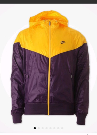 Курточка ветровка Nike