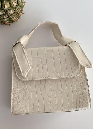 Сумка женская маленькая, белая, біла сумка трендова.