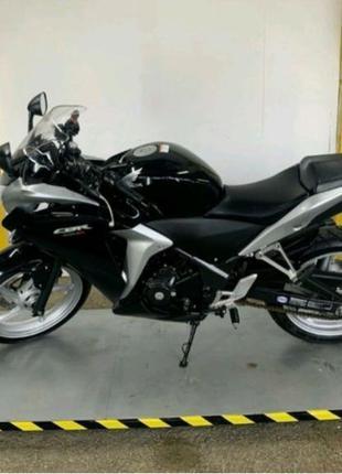 Продам мотоцикл  ВАЙПЕР 250 куб.