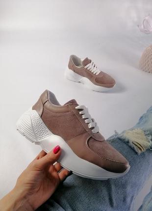 Женские кроссовки, натур замша
