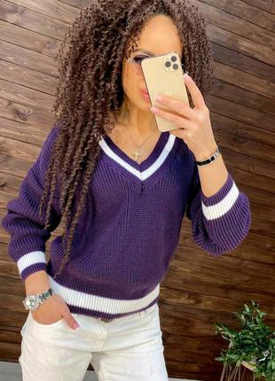 T Свитер яркий Мика фиолетового цвета