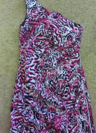 Шикарное платье на одно плечо