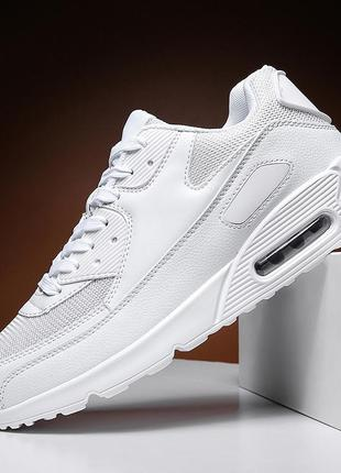 Белые классические кроссовки мужские 44 размер. новые