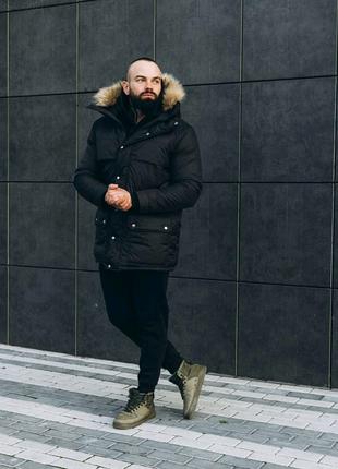 Мужская черная зимняя куртка с мехом
