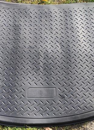 Коврики багажника Volkswagen Touran, Mitsubishi Outlander XL