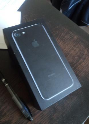 Продам iPhone 7 jet black 128gb