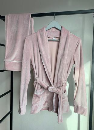 Велюровый костюм для дома. домашний костюм на запах пижама шта...