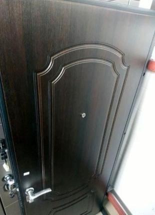 Двери входные классика