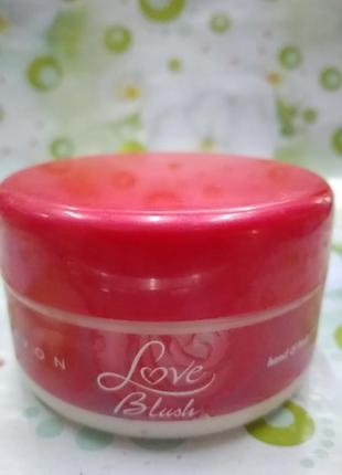 Крем от avon для рук и тела. love blush 150ml
