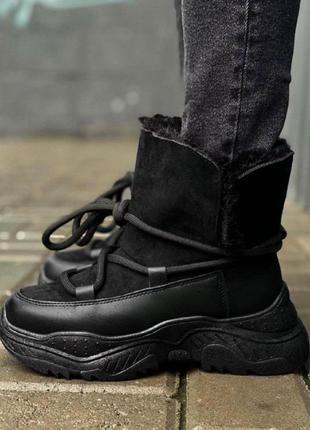 Женские ботинки мех черные