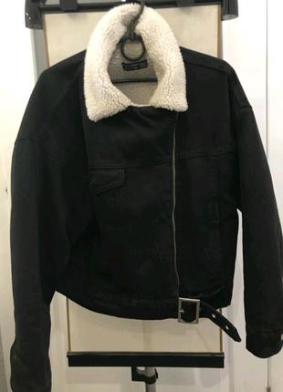 Демисезонная джинсовая куртка с овчины