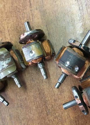 Якір двигуна електробритви