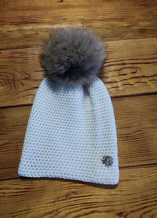 Женская шапка с натуральним помпоном
